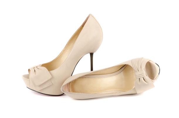 fiyonklu çok şık 2012 gelin ayakkabı modeli