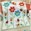 çiçek figürlü renkli örgü bebek battaniyesi modeli