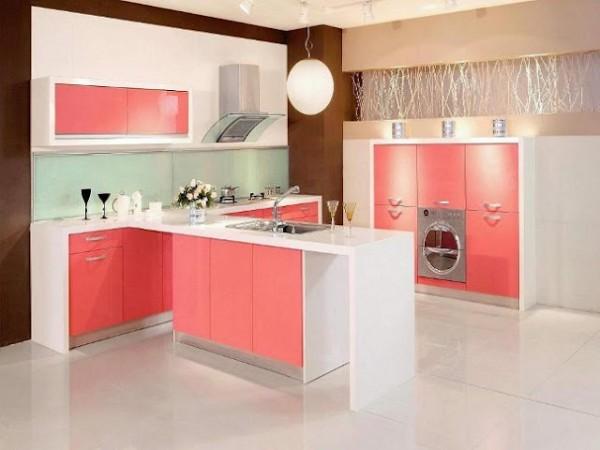 beyaz pembe lake renkli mutfak dekorasyonu modeli
