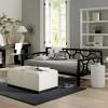 sıradışı koltuk tasarımıyla modern salon dekorasyonu
