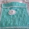 turkuaz renkli küçük örgü bebek battaniyesi modeli