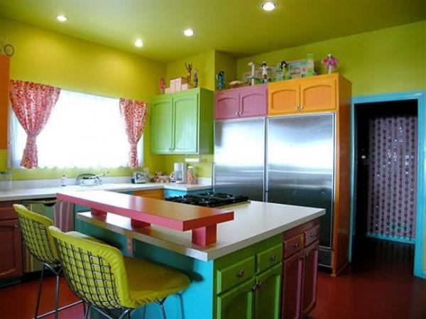 turuncu yeşil renklerle tasarlanmış modern mutfak modeli