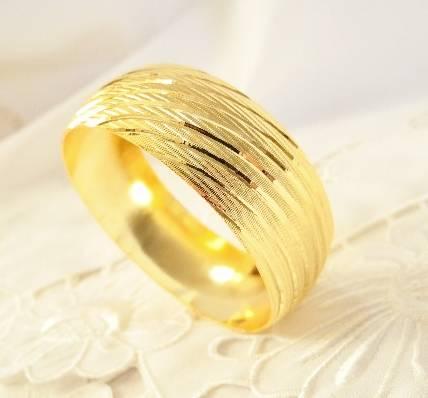 şık tasarımlı hediyelik altın bilezik modeli