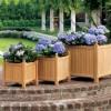 büyüklü küçüklü ahşap dekoratif bahçe saksısı modelleri