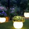 bahçe aydınlatmalı şık dekoratif saksı modeli