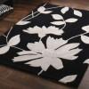 beyaz çiçek desenli saray halı modeli