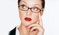 Çalışan Kadınlar Nasıl Makyaj Yapmalı ?