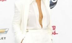 Ünlü Yıldız Rihanna' nın Saç Modelleri ve Renkleri
