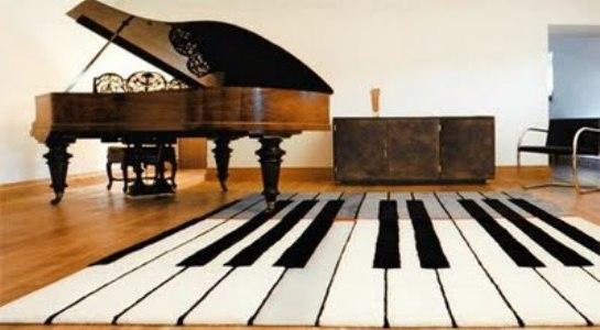 modern ve şık tasarımlı piyano desenli halı modeli