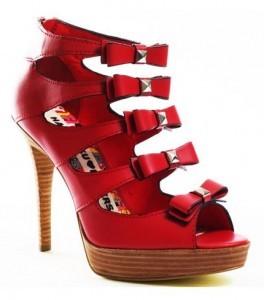 değişil model kırmızı ayakkabı