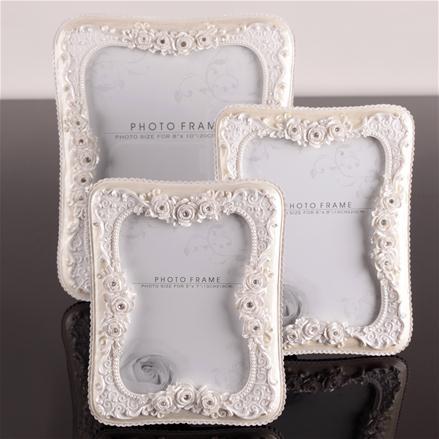 gümüş çiçekli modern fotoğraf çerçeveleri