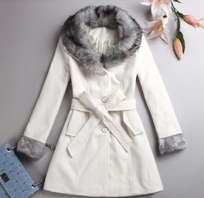 gri kürklü beyaz bayan manto modeli