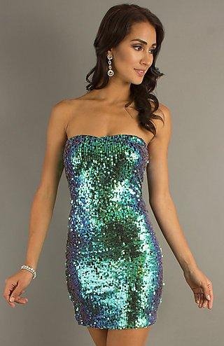 straplez pulu payetli şık elbise modeli