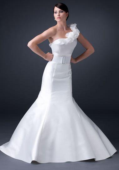 balık etek beyaz abiye elbise modeli