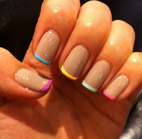Simple Nail Art With 2 Colors: Renk Renk French Oje Modeli