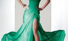 Modanın Vazgeçilmezi Yırtmaçlı Elbise Modelleri