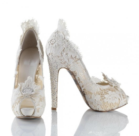 2013 dantelli yeni moda gelin ayakkabısı