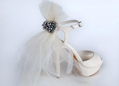 arkası tül yeni moda gelin ayakkabısı
