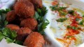 Falafel ( nohut köftesi )